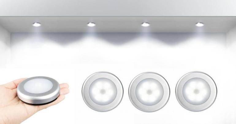 2 st LED-lampor med rörelsesensorer